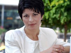 Десислава Атанасова: Няма да правим риалити с телефонни връзки