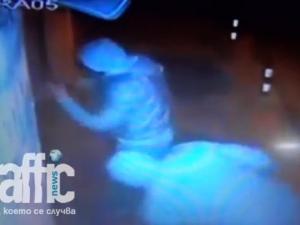 Ексклузивно ВИДЕО: Крадци правят опит да ударят златарски магазин на