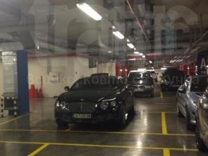 Гъзар с Бентли паркира на две места едновременно! СНИМКИ