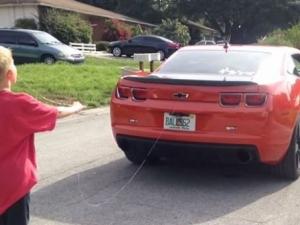 Нов начин за вадене на зъб- с лек автомобил