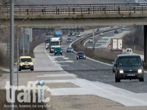Дупки-убийци на магистралата край Пловдив и Пазарджик ВИДЕО