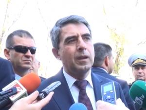 Гаф: Влак прекъсна мисълта на президента в Пловдив ВИДЕО