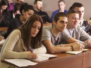 Ботев и Гео Милев събудиха днес кандидат-студентите на Софийския университет