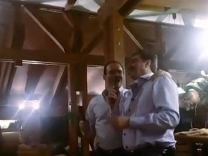 Цветан Василев и Иван Искров пеят в дует ВИДЕО