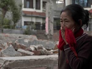 Спасиха 101-годишен мъж от руините в Непал