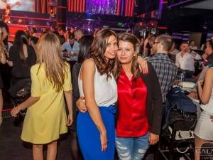 Биляна Евгениева забрави мъжете и се разкърши в