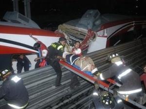 12 ранени при сблъсък на метровлакове в Мексико Сити