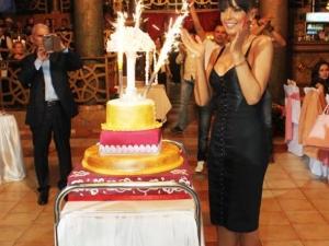 Екзотична храна и кръшни хора на рождения ден на Галена