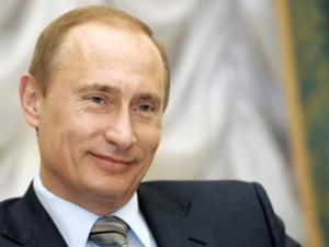 Рейтингът на Путин остава рекордно висок