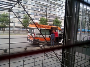 Нова мода: Линейките вече превозват и мебели
