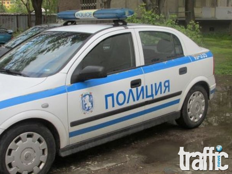 Трима нападнаха и обраха млад мъж в Пловдив