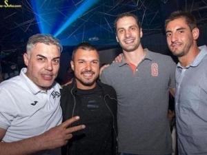 Валери Божинов купонясва с Матей Казийски в Студентски град
