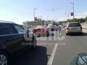 Задръстване блокира моста на Панаира СНИМКИ