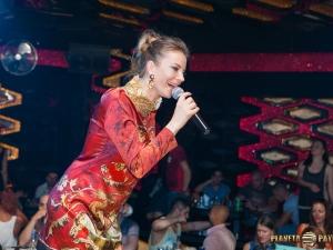 Пловдивска дискотека срази с неграмотност!Прекръсти Емилия на Имилия