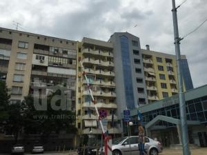 След смрад на мърша: Откриха труп в сградата над кметството на