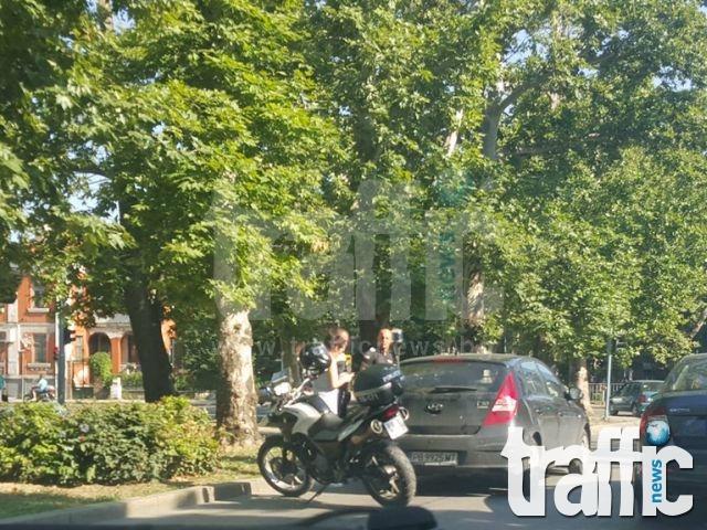 Удариха пешеходец до Търговската гимназия в Пловдив