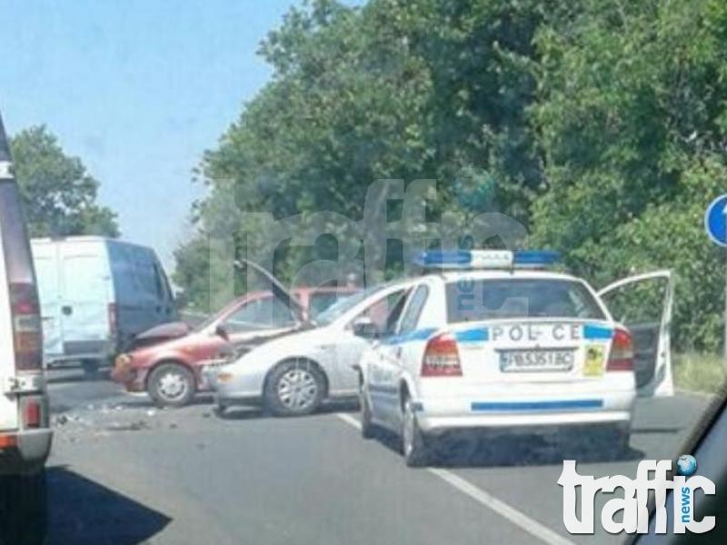 Тежка катастрофа блокира Пазарджишко шосе