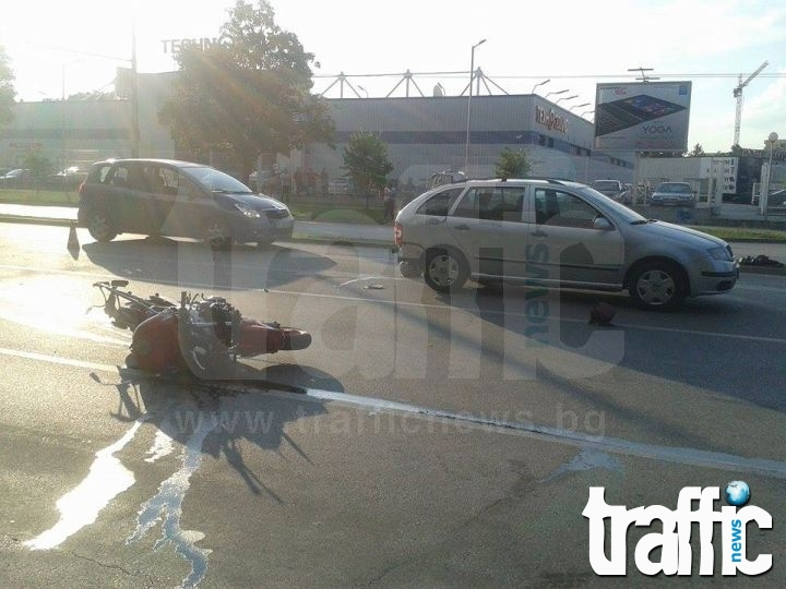 Велосипедист в болница след удар с моторист