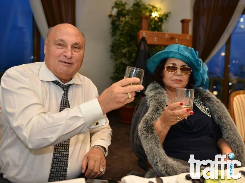 Цар Киро в супер здраве – похапва морски дарове в Пловдив