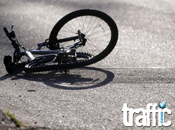 Велосипедистка пострада при инцидент с кола в Маноле
