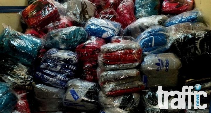 Два цеха с дрехи ментета разби полицията в Хасково