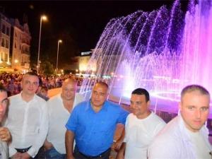 За разлика от Пеещите фонтани Бойко Борисов откри варненските СНИМКИ