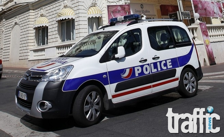 Трима българи спипани с краден бус във Франция