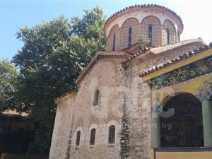 Уникален стенопис от на 173 години в Бачковския манастир пред изчезване СНИМКИ