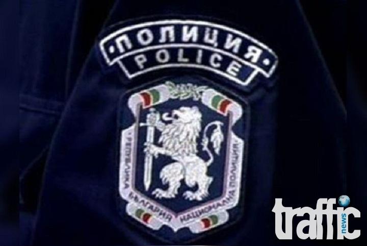 Крадци задигнаха 5000 лева от товарен автомобил