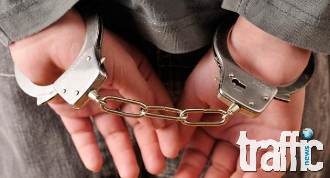Арестуваха мъж, тръгнал да души невръстно дете
