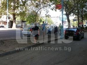 Блъснаха пешеходка до Военна болница - Пловдив СНИМКА