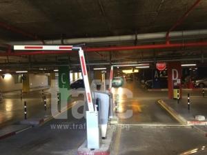 Монтираха бариерите в мол Пловдив СНИМКИ