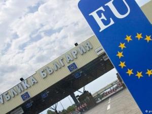 Срещу 250-300 евро българските граничари си затварят очите