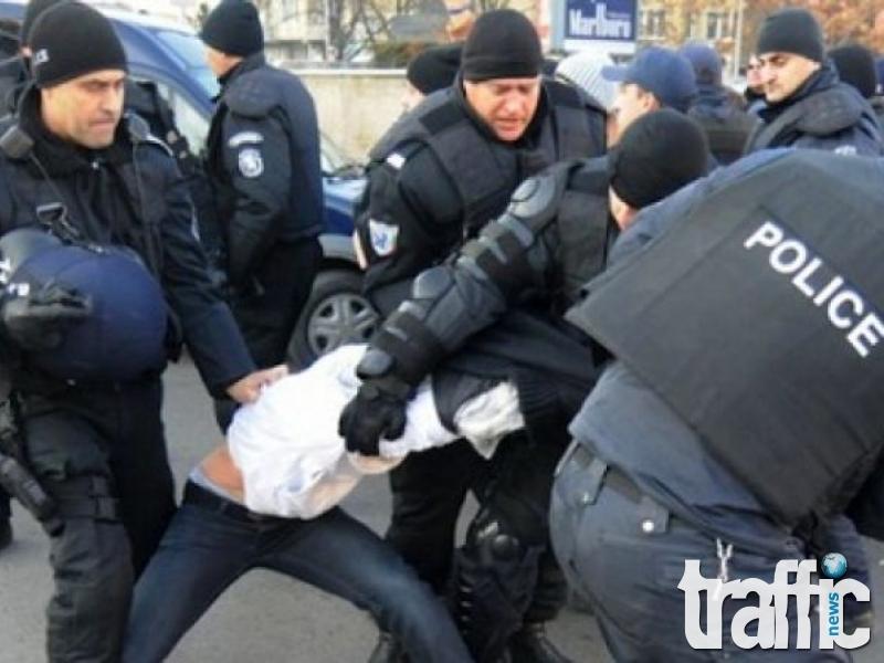 Задържаха пловдивчанин за саморазправа с полицай