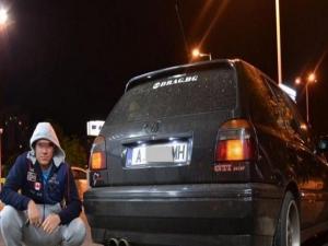 Рацера спретна гонка на оживен булевард ВИДЕО