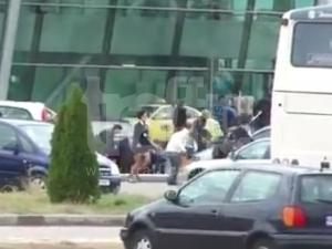 Клип с бягащи хора от летище Пловдив сее паника в интернет ВИДЕО