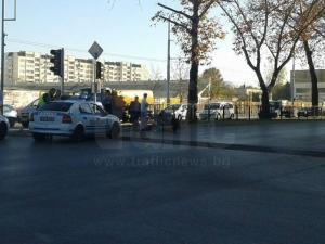Отново: Пометоха жена на пешеходна пътека! 20 минути линейка не идва СНИМКИ