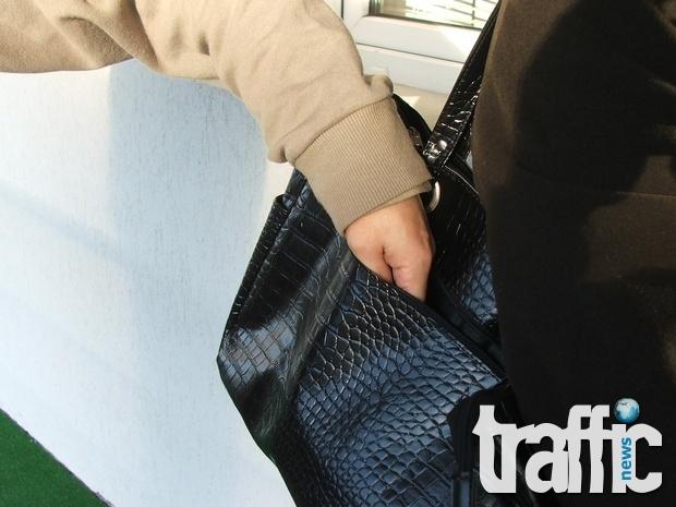 Претарашиха жена в градския транспорт в Пловдив