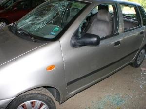 Пиян пловдивчанин разби кола и легна да поспи в нея