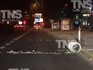 Вандали вилняха в центъра на Пловдив! Сточна гара стана сметище СНИМКИ