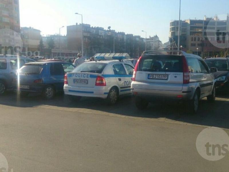 Автомобил блъсна възрастна пловдивчанка на паркинга на Кауфланд СНИМКИ