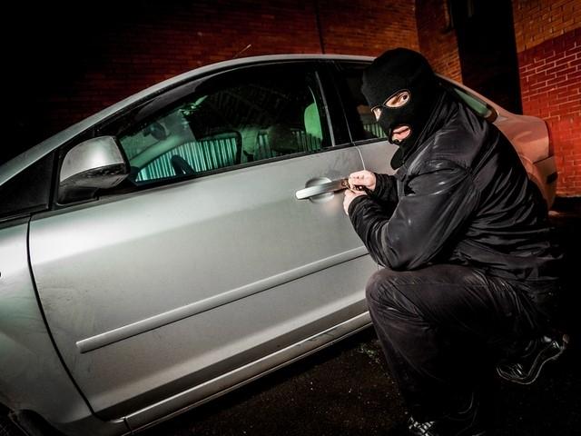 Крадци превръщат откраднати луксозни коли в клонинги на законни возила
