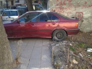 Софийски гъзар блокира пешеходна пътека с БМВ-то си СНИМКИ