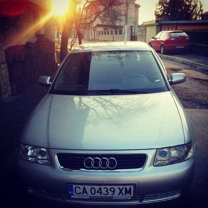 Издирват крадците на тази кола, виждали ли сте я?