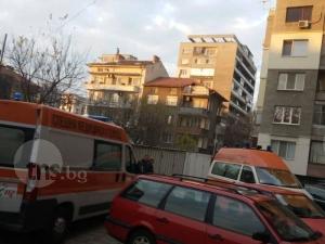 Клошар подпали апартамент в Кючука, барикадира се в горящата сграда СНИМКИ