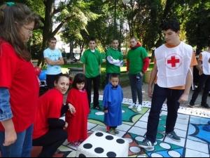 БЧК ще зарадва деца с коледни подаръци и с приятелска обич
