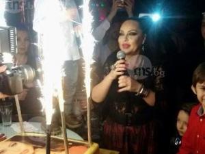 Музиканти вдигнаха наздравици за именния ден на Ивана СНИМКИ