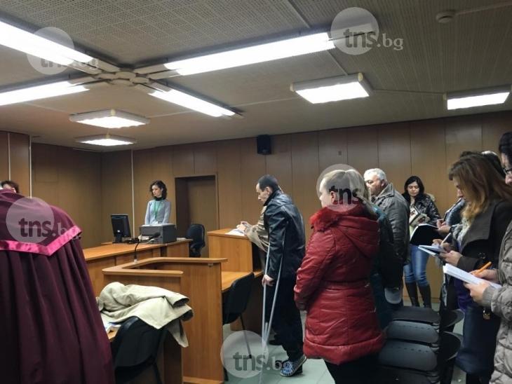 8 години затвор и 10 години без книжка за убиеца на близначките и Ивайло СНИМКИ и ВИДЕО