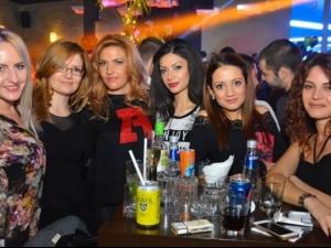 Палави индианки нажежават страстите в Пловдив СНИМКИ
