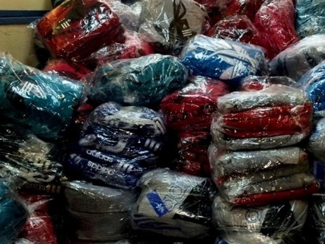 Гепиха търговци в Столипиново, продавали спортни стоки менте